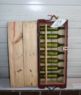 messages in bottles in amunition box from Vietnam war by Boites de la paix
